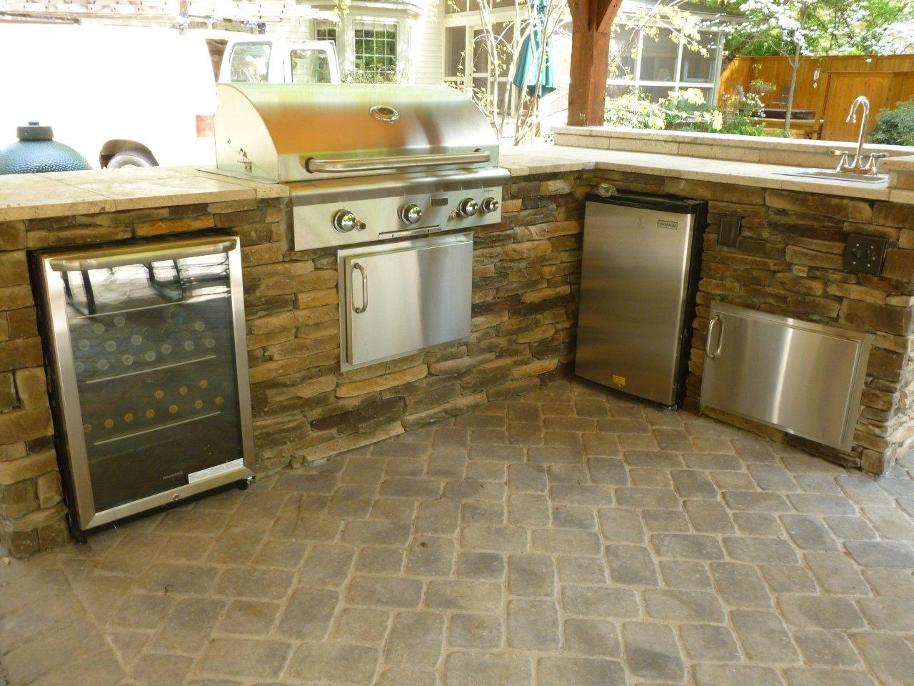 Outdoor Kitchens » outdoor-kitchen-with-wine-refrigerator-grill-and-travertine-counter-top u2013 Copy & outdoor-kitchen-with-wine-refrigerator-grill-and-travertine-counter ...